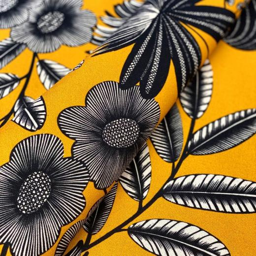 """""""Orphée"""" from our newest collection created by @studio_inkfabrik & printed on cotton #interiordesign #newcollection #homedecor #print #flowerpower #thevenon"""
